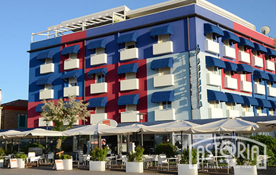 l'Hotel Astoria sullo splendido lido di Fano